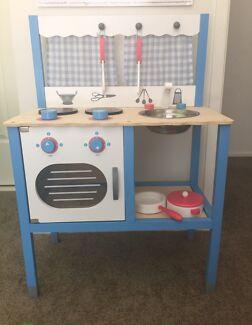 Kids toy/play Kitchen (wooden)