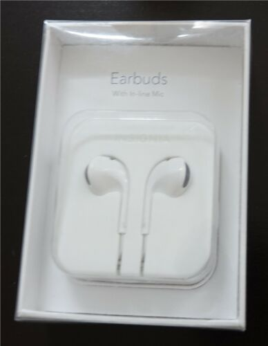 Insignia Earbud In-Ear Headphone White NS-CAHEP01