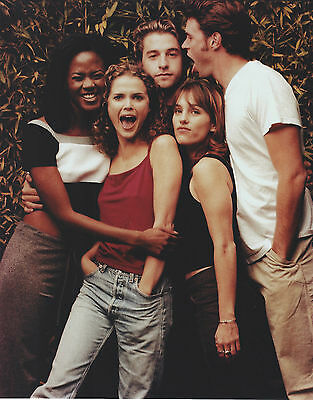 FELICITY CAST 8 X 10 PHOTO WITH ULTRA PRO TOPLOADER