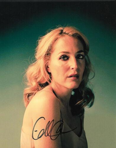 Gillian Anderson Autogramm signed 20x25 cm Bild