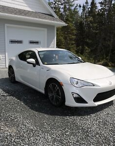 Selling 2015 Automatic Scion FRS