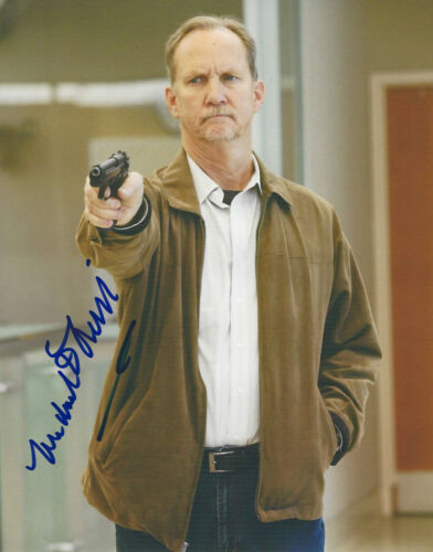 MICHAEL O'NEILL SIGNED AUTHENTIC 'TOM CLANCY'S JACK RYAN' 8x10 PHOTO w/COA ACTOR