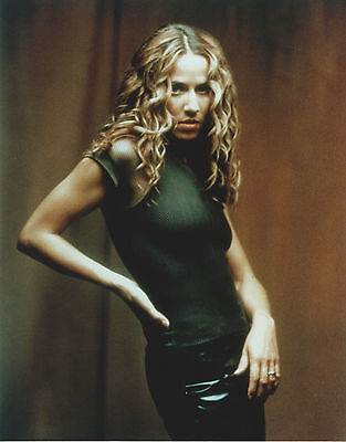 SHERYL CROW 8 X 10 PHOTO WITH ULTRA PRO TOPLOADER