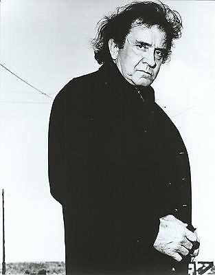 JOHNNY CASH 8 X 10 PHOTO WITH ULTRA PRO TOPLOADER