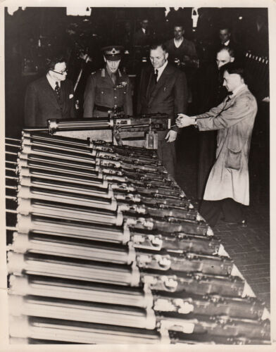 KING GEORGE Vl VISITS ARMS FACTORY DURING WORLD WAR ll - 1940