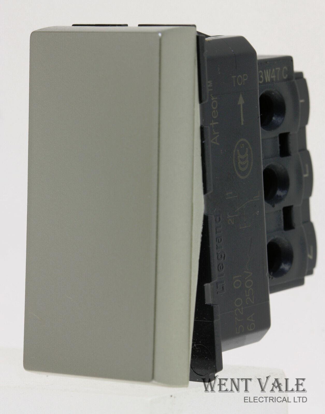 Legrand Arteor - XX5725 01C - 6a  1 Way Push Switch 22.5 x 45 mm