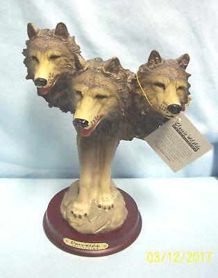 2003 Class Wildlife Three Headed Wolf Collectible #28131 Alabastrite 8 1/2