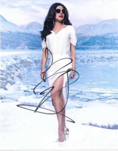 """Priyanka Chopra """"Baywatch"""" Autogramm signed 20x25 cm Bild"""