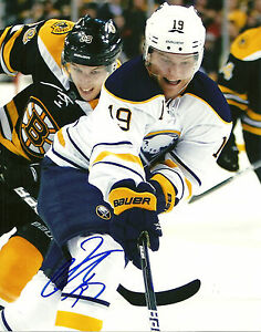 Cody-Hodgson-Hand-Signed-8x10-Photo-Buffalo-Sabres-NHL-Autograph