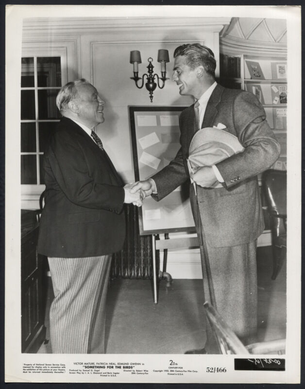 Something For The Birds '52 EDMUND GWENN SHAKING HANDS WITH VICTOR MATURE