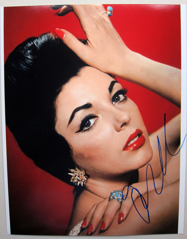 JOAN COLLINS SIGNED AUTOGRAPH 11x14 PHOTO HOLLYWOOD LEGEND ICON IN PERSON NY1