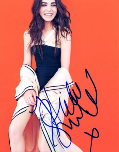 Hailee Steinfeld Signed Autographed 8x10 Photo Pitch Perfect 2 COA VD