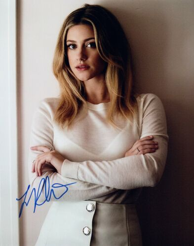 Lili Reinhart Signed Autographed 8x10 Photo RIVERDALE Hot Sexy Actress COA