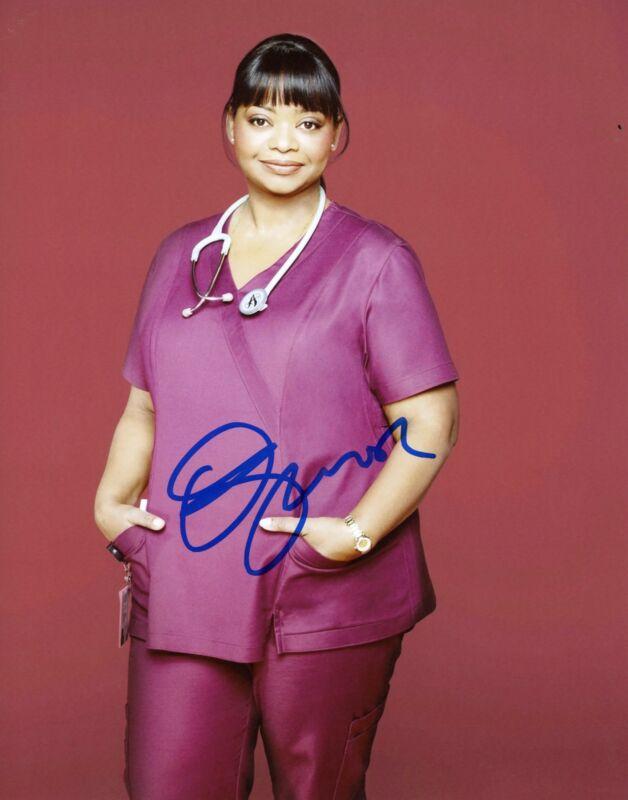 """Octavia Spencer """"The Red Band Society"""" AUTOGRAPH Signed 8x10 Photo B ACOA"""