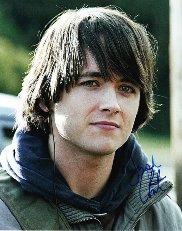 JUSTIN CHATWIN SIGNED 8X10 PHOTO AUTHENTIC AUTOGRAPH WAR OF THE WORLDS COA