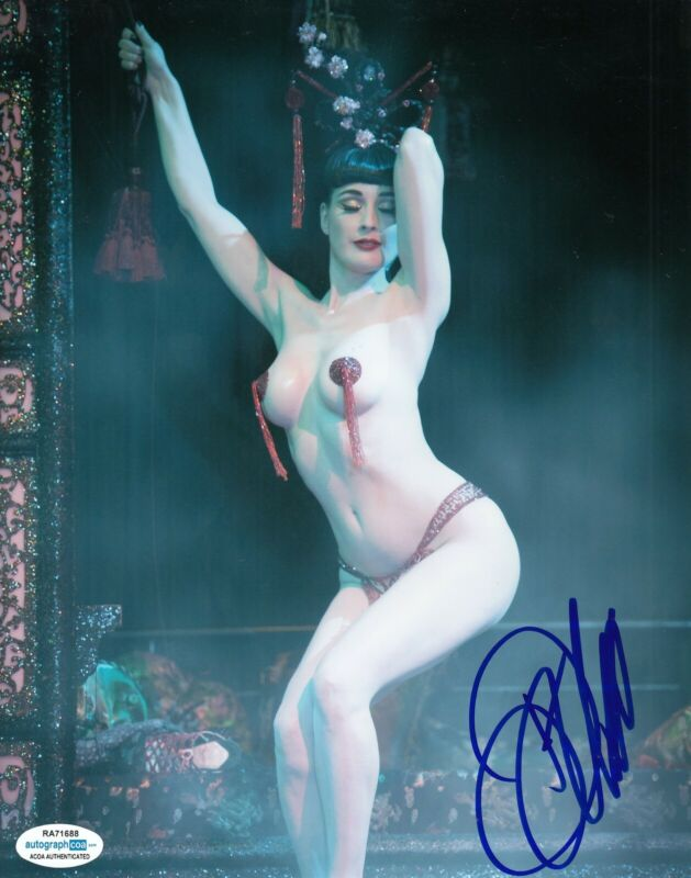 DITA VON TEESE signed (BURLESQUE DANCER) Sexy 8X10 photo autographed ACOA #2