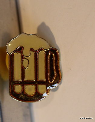 New Mug of Beer Lapel Hat Pin College Party Tie Tack Alcohol Beverage Cartoon