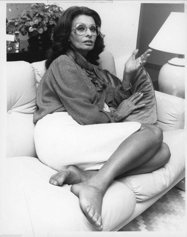 Sophia Loren With Glasses 8x10 Photo Print