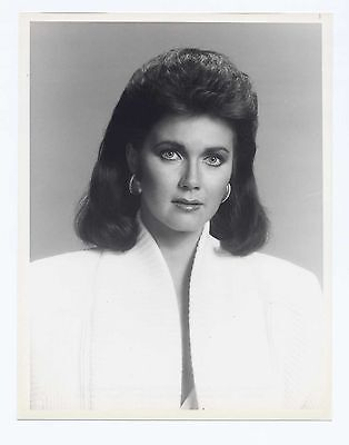 Nbc 1984 Partners In Crime 7X9 Lynda Carter Portrait Closeup