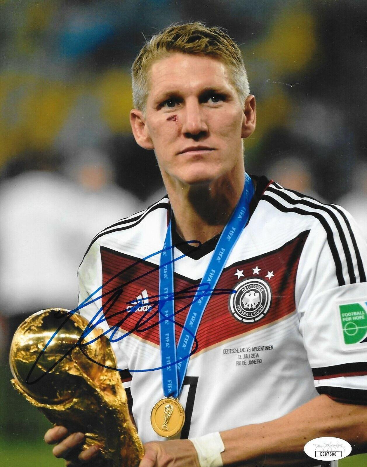вывезла парня немецкие футболисты фото можно