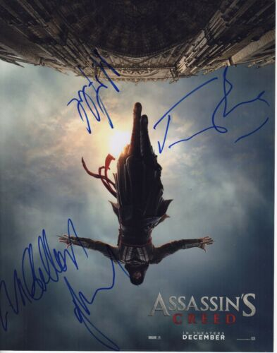 ASSASSINS CREED SIGNED 11X14 PHOTO JEREMY IRONS MICHAEL FASSBENDER AUTOGRAPH