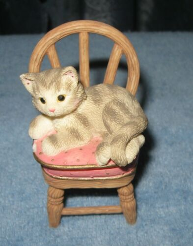 """2000 Enesco Calico Kitten (Covered Box) """"Pull Up A Chair"""""""