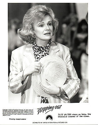 ENGLISH ACTRESS COMEDIENNE JULIE WALTERS 10 x 8 BLACK & WHITE PHOTOGRAPH
