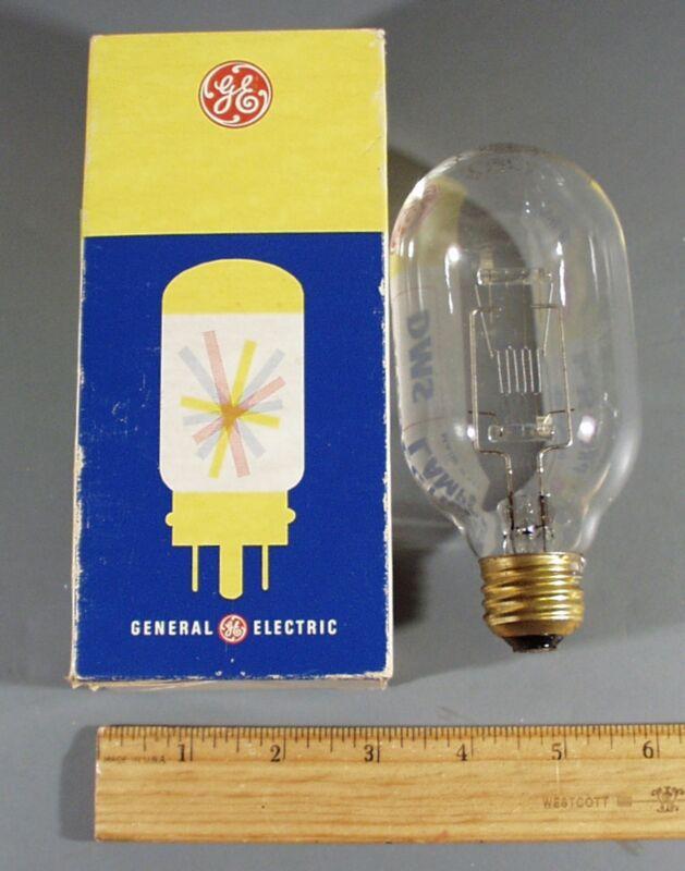 GE PROJECTION LAMP BULB 500W 115-120V DMS-3200°K & BOX