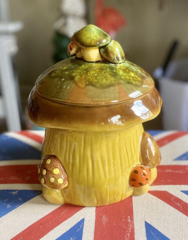 Vintage Napcoware C-8544 Mushroom Canister/Cookie Jar Import JAPAN.