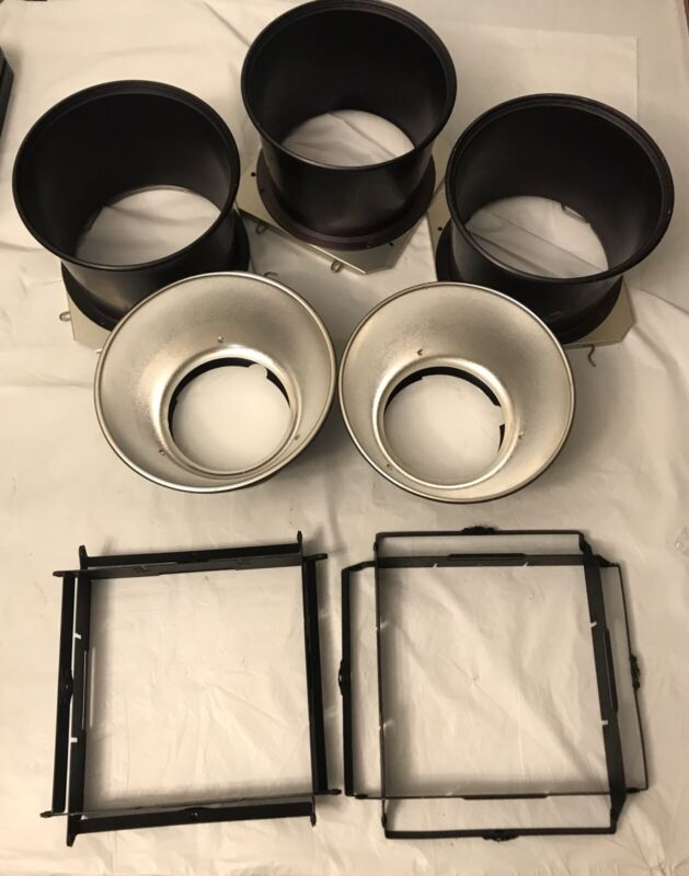 Lot Of Reflector And Accessories