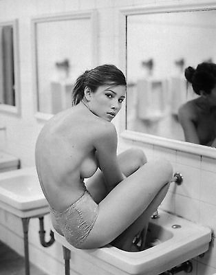 Beautiful Actress Jessica Biel 8X10 Black And White Photo  Hot Candid Glossy