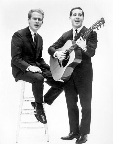 Simon & Garfunkel -  MUSIC PHOTO #12