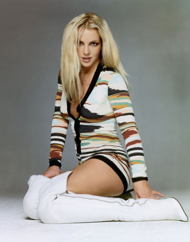 Britney Spears Unsigned 8x10 Photo (23)