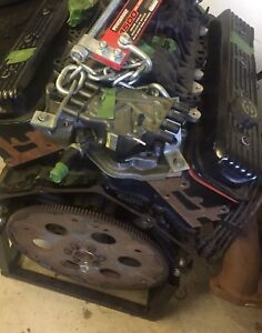 GM 5.7L crate motor with 0kms (new).