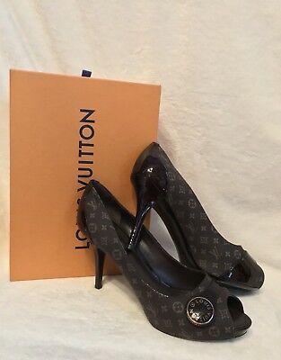 New In Box Louis Vuitton Brown Monogram Patent Mini Lin Pumps Shoes 39.5, 9 9.5