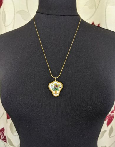 Lovely Vintage Jewellery Gold-tone Flowers Cameo Pendant Necklace