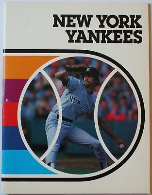1982 New York Yankees Creative Paperbacks SC Book Ruth Mantle Gehrig DiMaggio