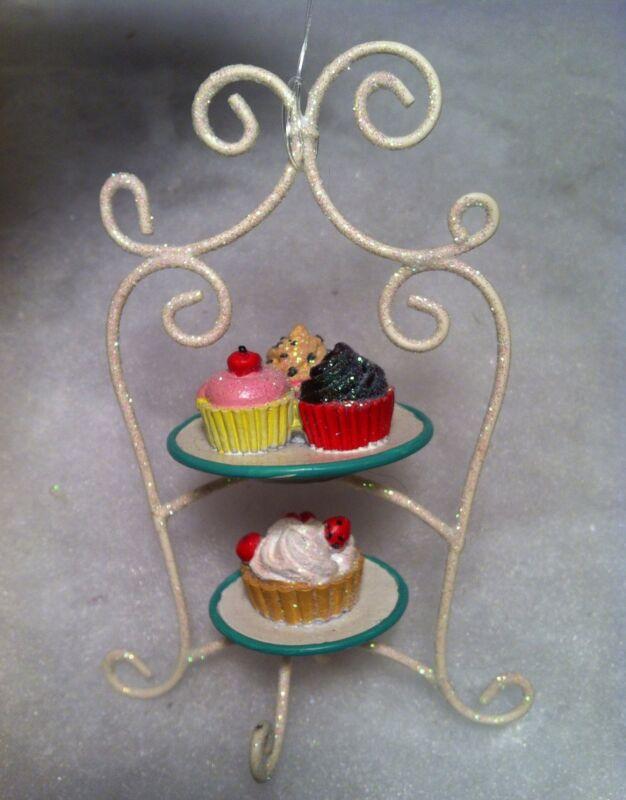Cupcake tier Dessert Christmas Tree Ornament Decorated, Iced cupcakes, pie