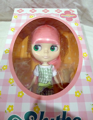 NRFB NIB NEW TAKARA NEO BLYTHE DOLL SIMPLY GUAVA CWC LIMITED US SELLER
