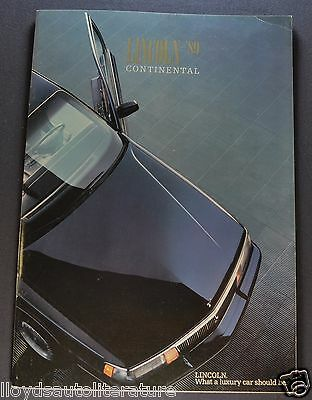 1989 Lincoln Continental Catalog Brochure Signature Series Nice Original 89