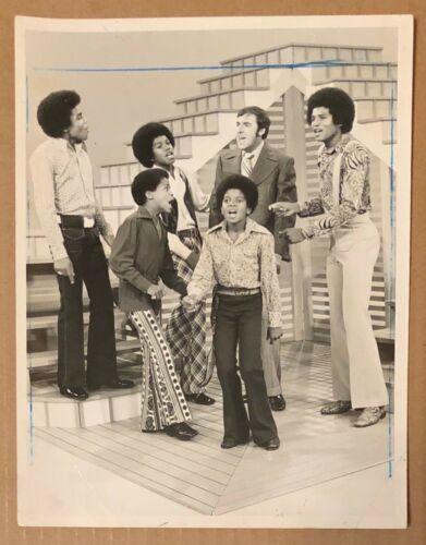 THE JACKSON FIVE PERFORMING ON THE JIM NABORS HOUR 1970 ORIGINAL PRESS PHOTO