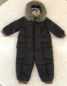 Like New Burberry Baby Snow Suit, size 12m/180 cm