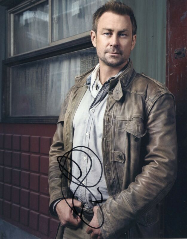 Grant Bowler Signed Defiance 8x10 Photo w/COA Chief Lawkeepe #1