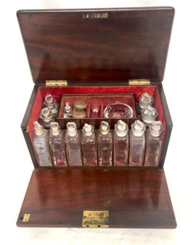 Antique Victorian Mahogany Apothecary Cabinet / Medicine Chest : COMPLETE
