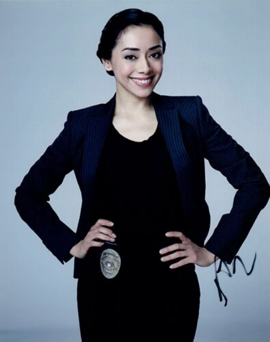 Aimee Garcia Signed Autographed 8x10 Photo DEXTER Lucifer Actress COA