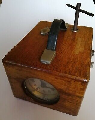 VINTAGE BENZING PIGEON RACING CLOCK WITH KEY - MECHANICALLY WORKING