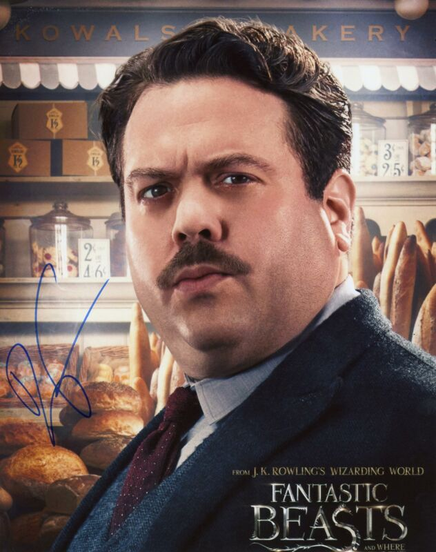 """Dan Fogler """"Fantastic Beasts and Where to Find Them"""" AUTOGRAPH Signed 8x10 Photo"""