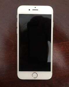 iPhone 6 16gb, unlocked. EXCELLENT condition + Lifeproof Case