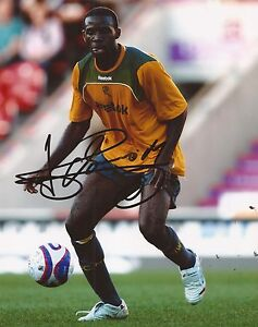 BOLTON-FABRICE-MUAMBA-SIGNED-10x8-ACTION-PHOTO-COA