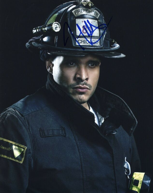 Joe Minoso signed 8x10 Photo w/COA Chicago Fire Med P.D. Joe Cruz #1